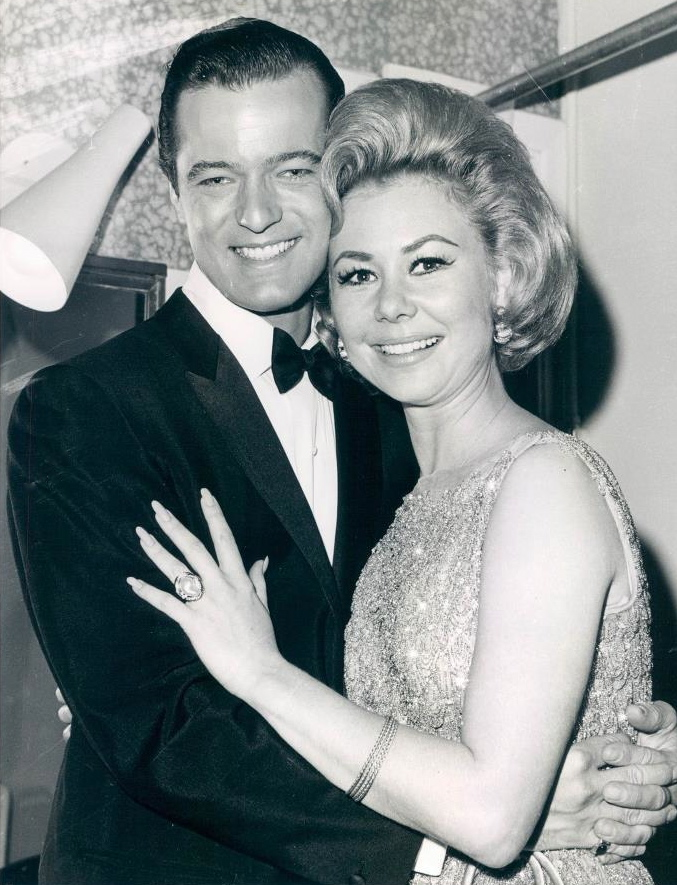 Robert Goulet and Mitzi Gaynor